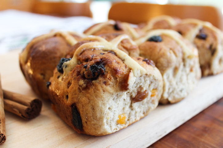 Hot Cross Buns :: The Scandinavian Baker